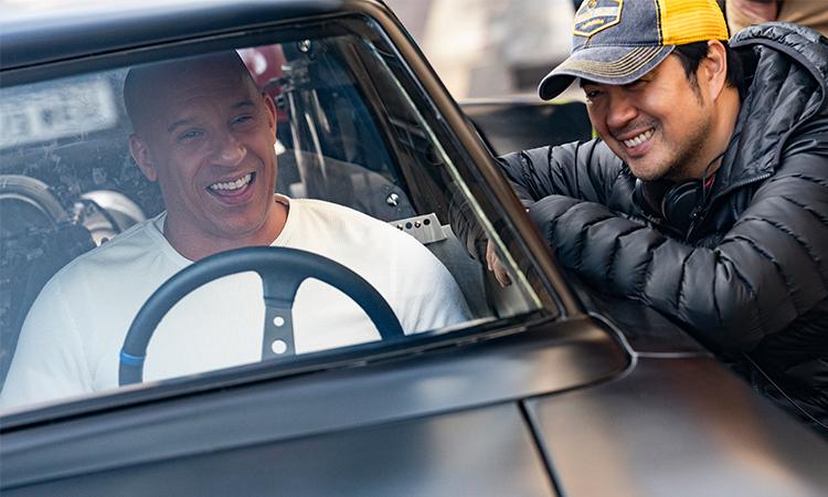Vin Diesel và đạo diễn Justin Lin (phải) trên phim trường F9. Ảnh: CGV.