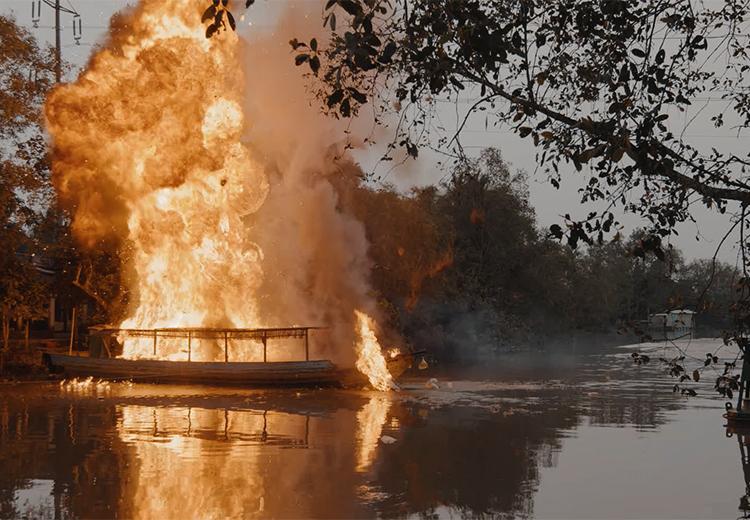 Một cảnh cháy nổ