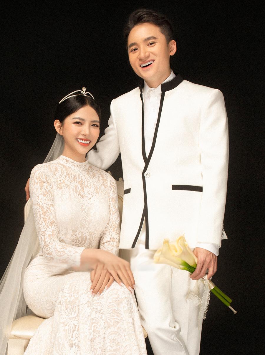 Ảnh cưới của Phan Mạnh Quỳnh và Khánh Vy. Ảnh: Art Photo & Film.