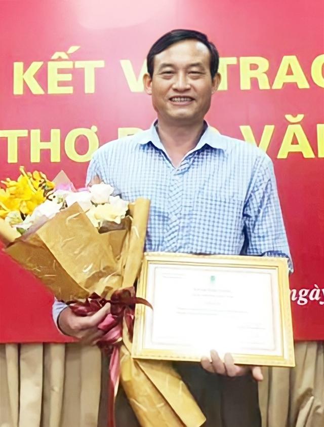 Nhà thơ Tòng Văn Hân. Ảnh: Báo Văn Nghệ.