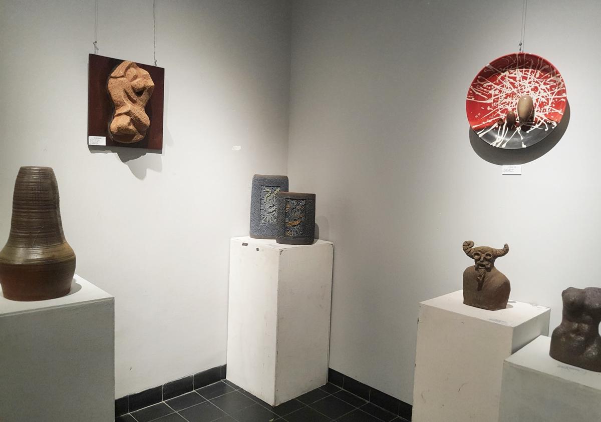 Không gian trưng bày triển lãm Sắc hạ, kéo dài từ ngày 18/24/4.