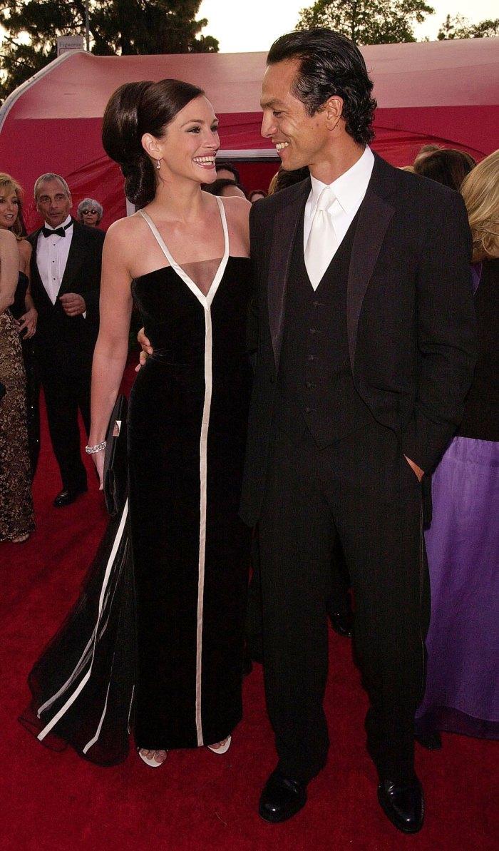 Julia Roberts and Benjamin Bratt. In 2001 (the year Roberts won Best Actress for Erin Brockovich).
