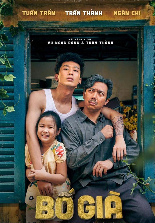 Trấn Thành (phải) cùng Tuấn Trần, bé Ngân Chi trong poster Bố già. Ảnh: TT Town.