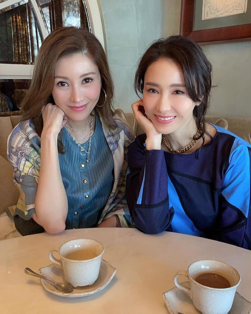 Lý Gia Hân khen Lê Tư xinh đẹp, tốt bụng và dễ thương. Cô sinh năm 1970, hơn Lê Tư một tuổi. Ảnh: Instagram/Michele.
