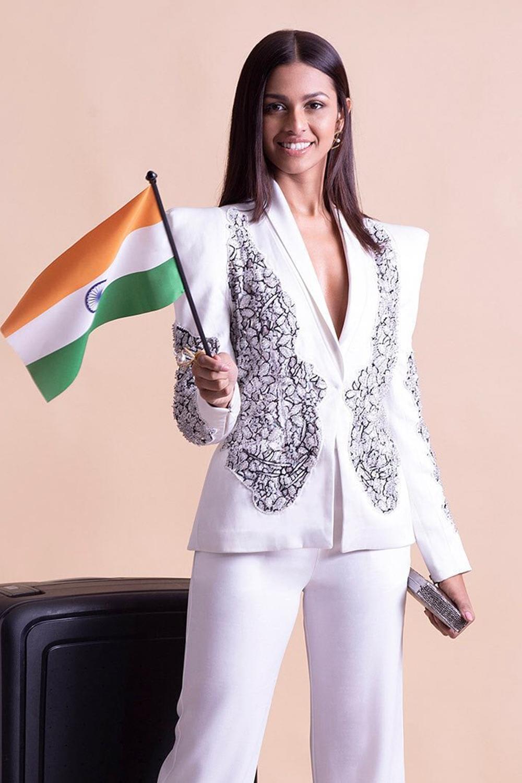 Đại diện Ấn Độ - Adline Castelino sinh năm 1998, cao 1,69 m, được chuyên trang nhan sắc Angelopedia nhận xét có thân hình cân đối.