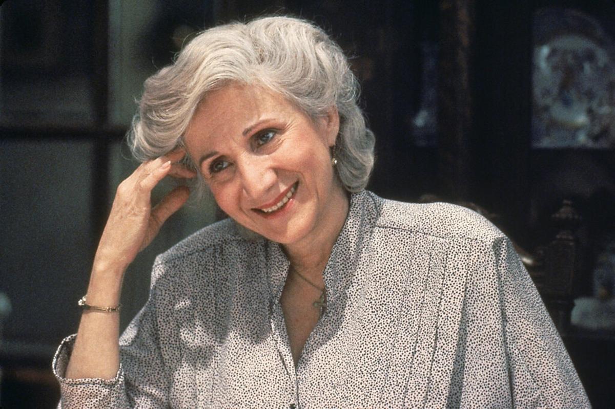 Olympia Dukakis trong bộ phim Moonstruck năm 1987. Ảnh: MGM.