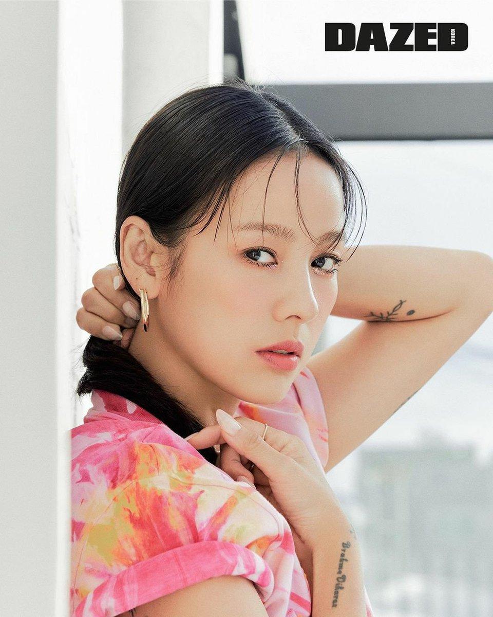 Hyori nhiều lần lọt top Biểu tượng nhan sắc, được bình chọn là Sao nữ gợi cảm nhất Hàn Quốc năm 2007. Ảnh: Dazed.