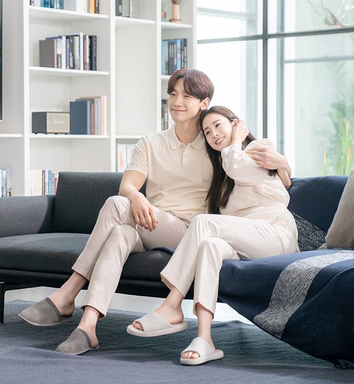 Nữ diễn viên và chồng - Rain - quay quảng cáo cho một nhãn hiệu đồ gia dụng. Ảnh: Lacloud.