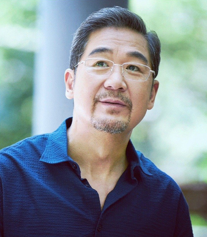 Tài tử 'Tể tướng Lưu gù' vạ lây vì scandal Trịnh Sảng
