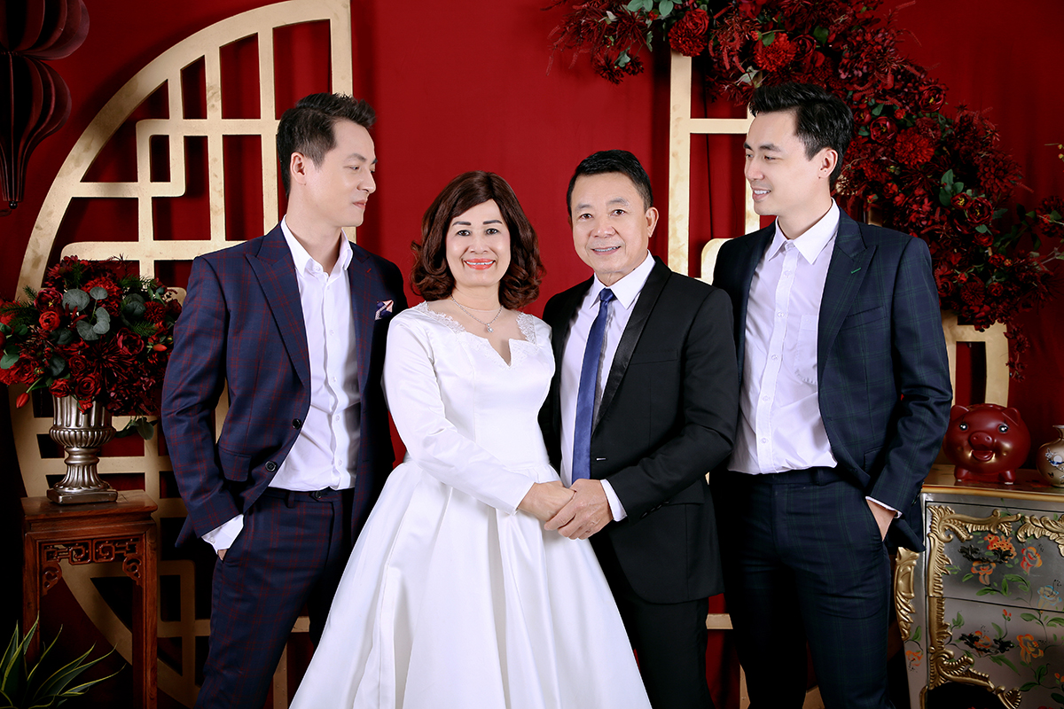 Vợ chồng Đăng Khôi mừng ngày cưới của bố mẹ  - 6
