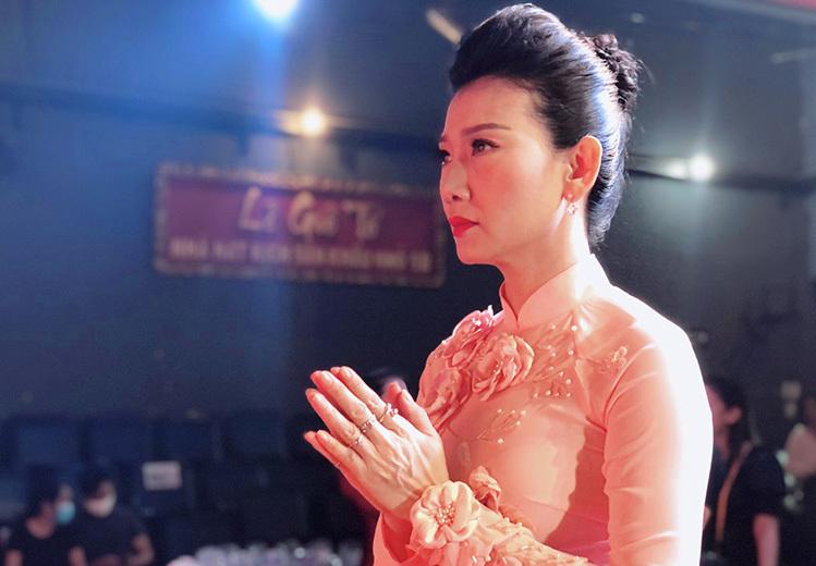 Mỹ Uyên chạy show, đóng phim để có kinh phí gầy dựng sân khấu 5B trở lại. Ảnh: Mai Nhật.