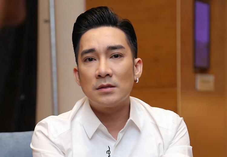Ca sĩ Quang hà mất hàng tỷ đồng vì dời liveshow khi sân khấu đã hoàn thành. Ảnh: Quang Cường.