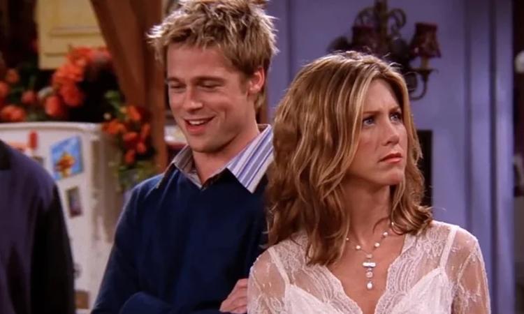 Brad Pitt và Jennifer Aniston trong mùa tám series Friends. Ảnh: ABC.