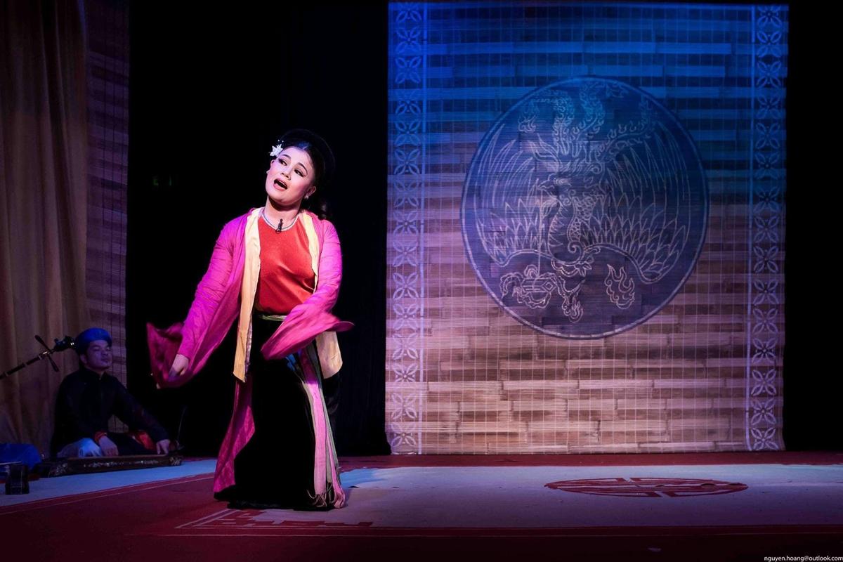 Nghệ sĩ trong buổi biểu diễn Chiếu chèo. Ảnh: Nhà hát Chèo Việt Nam.