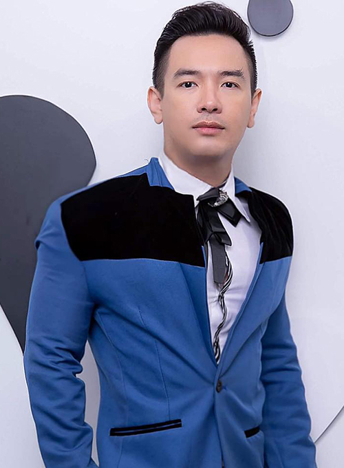 Ca sĩ Việt Quang gần đây tham gia nhiều gameshow ở TP HCM. Ảnh: Facebook Singer Việt Quang.
