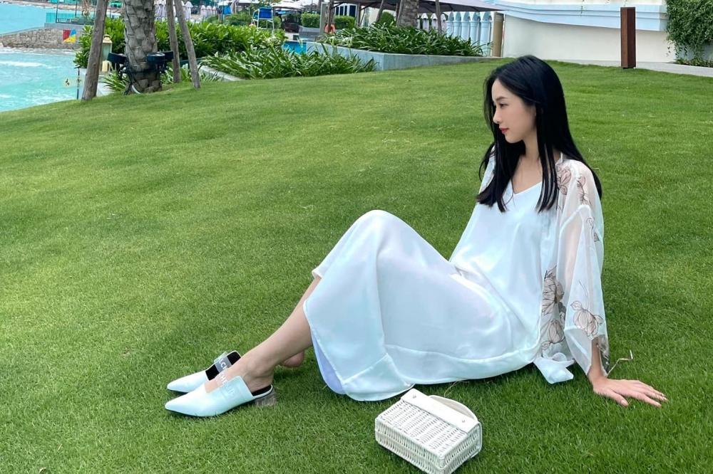 Sao Việt chuộng váy ngủ, đầm maxi mùa hè