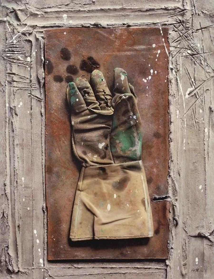 Trong cuộc đấu giá mùa thu quốc tế Poly năm 2009, chiếc găng tay gãy có tên Palmistry này đã được bán với giá cao ngất ngưởng 1,85 triệu USD. Có hoa hồng, giá bán bức tranh này cao tới 2 triệu.