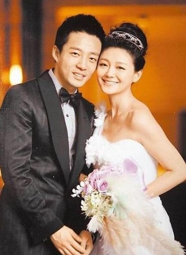 Ảnh cưới của vợ chồng Từ Hy Viên, Uông Tiểu Phi.