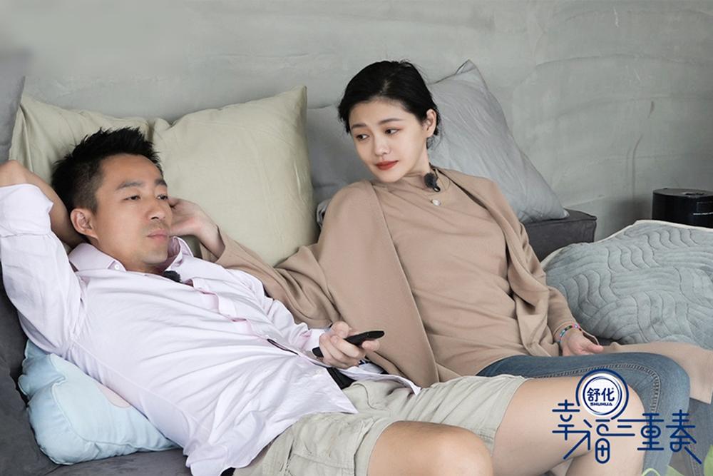 Vợ chồng Từ Hy Viên trong show thực tế năm 2018. Ảnh: QQ.