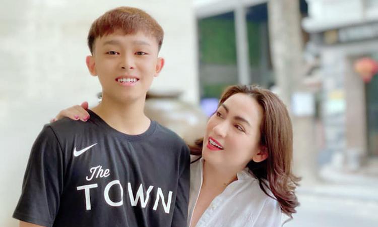 Hồ Văn Cường: 'Tôi và mẹ nuôi không còn mâu thuẫn' - VnExpress Giải trí