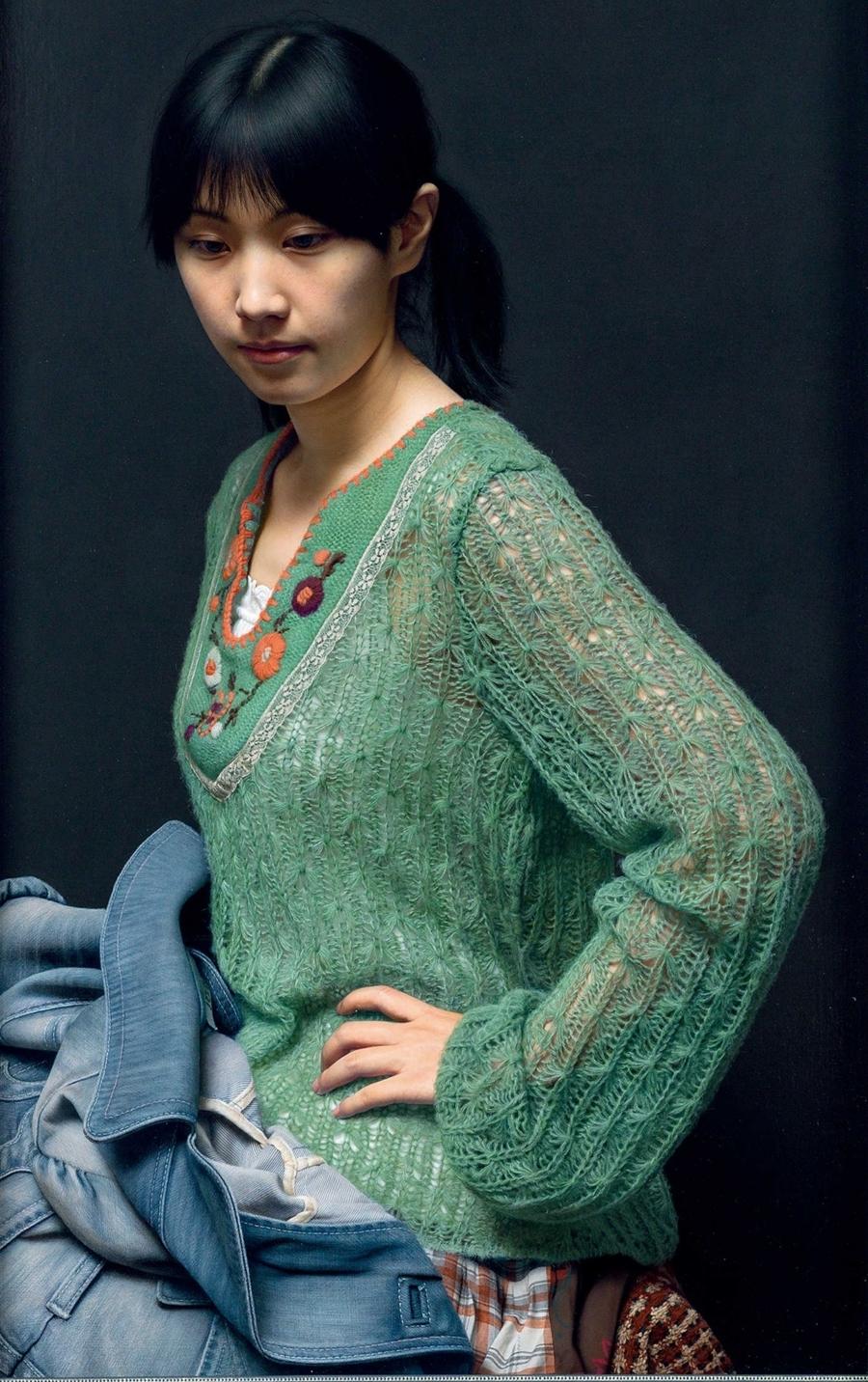 Phiên đấu giá mùa thu với chủ đề Đêm nghệ thuật đương đại và thế kỷ 20 của China Guardia tháng 11/2019, , giá là 70,15 triệu NDT (10,9 triệu USD) tranh sơn dầu vẽ năm 2011tiêu tượng chi tương - tiểu khươngHọa sĩ tình cờ gặp Tiểu Khương khi dùng bữa tại  nhà hàng ở Hán Khẩu, Vũ Hán. Cô là phục vụ của nhà hàng. Lãnh Quân cho biết ấn tượng v ới vẻ đẹp trong sáng, mộc mạc của cô. Năm 2007, Tiểu Khương, 19 tuổi, Leng Jun trở thành một trong những nghệ sĩ đương đại đắt giá nhấtTheo Nhật báo Nhân dân, Theo báo cáo, Leng Jun đã tạo ra tác phẩm này trong một năm, từ làn da mỏng manh của cô gái đến từng sợi tóc, từ những sợi vải trên vải denim cho đến những đường khâu của chiếc áo len, Little Ginger gần như đại diện cho đỉnh cao. đẳng cấp của tranh sơn dầu siêu thực Trung Quốc trong thời đại ngày nay.