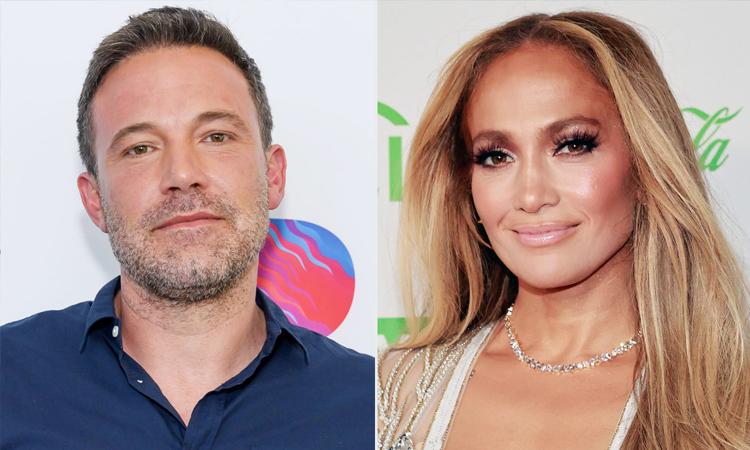 Ben Affleck (trái) và Jennifer Lopez tái hợp từ tháng 5. Ảnh: People.