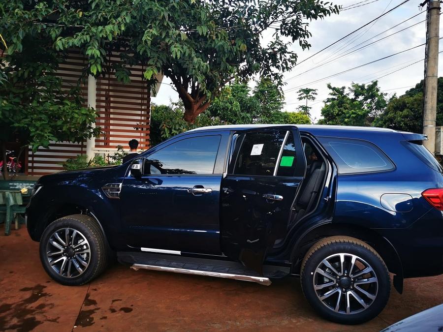 Chiếc xe HHen Niê chọn cho bố mẹ nhân dịp sinh  nhật cô. Ảnh: nhân vật cung cấp.