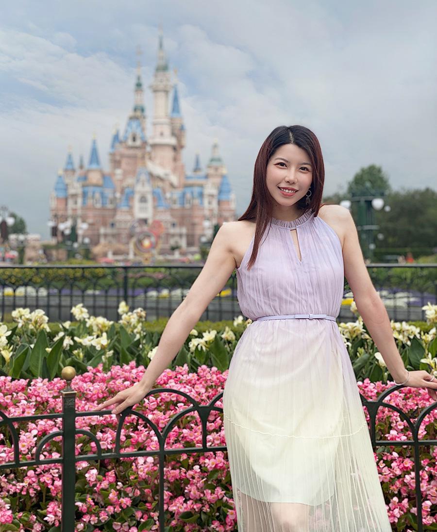 Hạo Hạo trong đời thường. Cô 31 tuổi, độc thân. Vì cha mẹ thúc giục kết hôn, năm ngoái cô tham gia một chương trình mai mối nhưng không gặp người phù hợp. Ảnh: Weibo/Renyu Haohao.