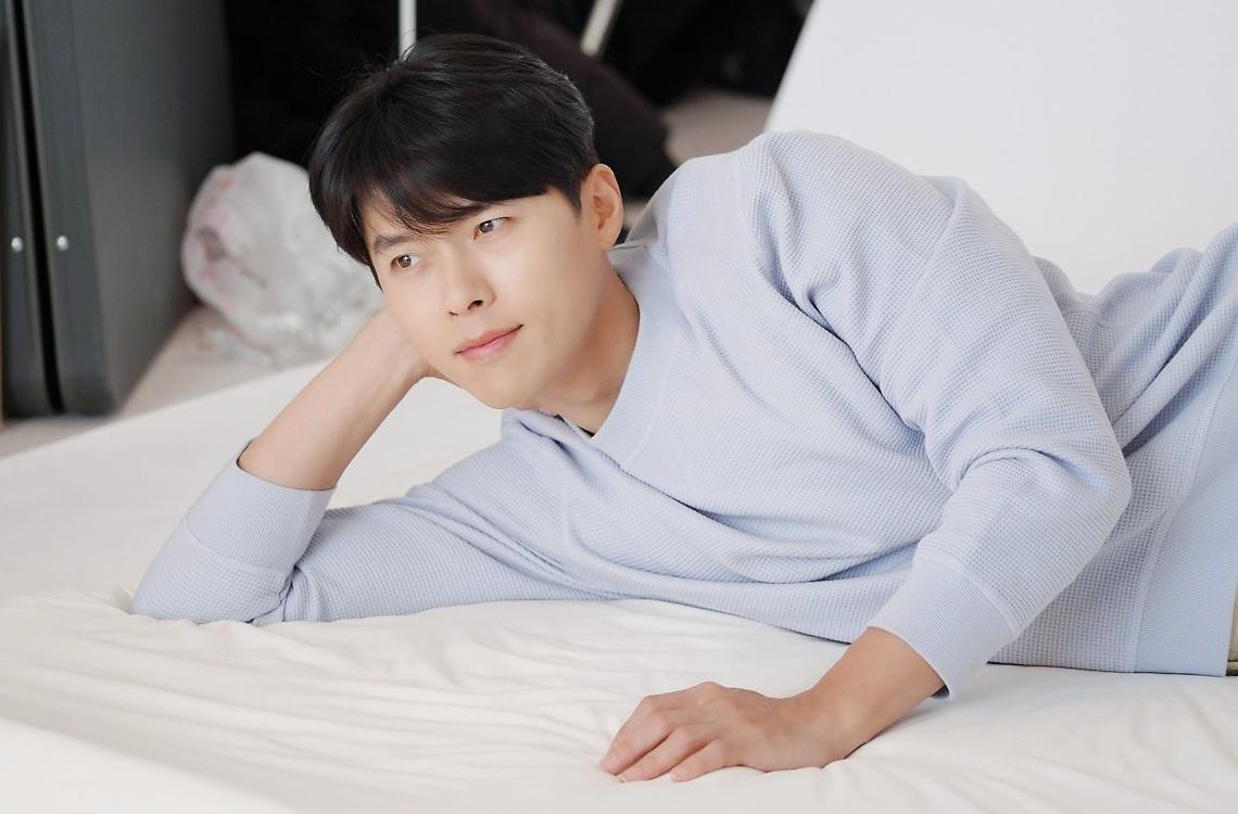 Forbes Korea chọn ra danh sách 40 người nổi tiếng trong bốn lĩnh vực: thể thao, ca sĩ, diễn viên và phát thanh viên quyền lực nhất năm 2021. Giữa trăm ngàn người đông đúc vậy mà anh mình cũng xuất sắc bon chen được vị trí thứ 21, so với năm ngoái là tiến bộ 7 bậc liền