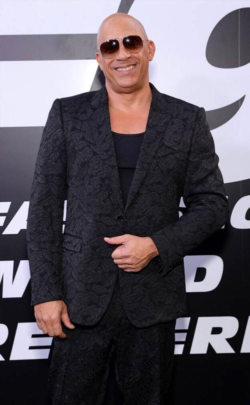 Vin Diesel - nam chính của bộ phim - trên thảm đỏ. Anh cũng là cha đỡ đầu của Meadow. Diesel tiết lộ có thể sẽ mời cô tham gia trong các phần cuối cùng của Fast & Furious. Thương hiệu phim đua xe nổi tiếng dự kiến kết thúc sau phần 11.