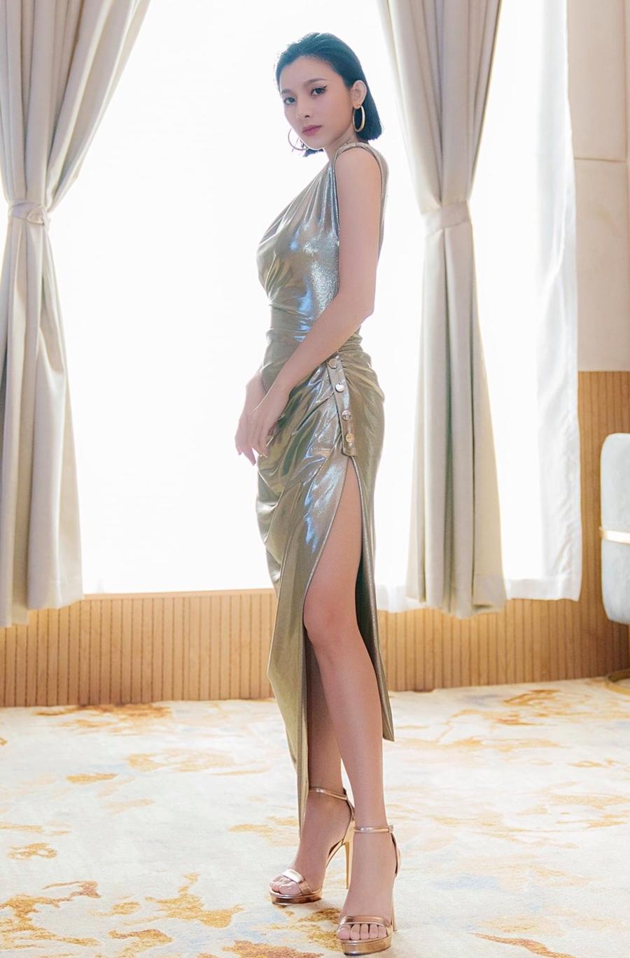 Phong cách sexy của nữ chính MV mới của Đan Trường - 3
