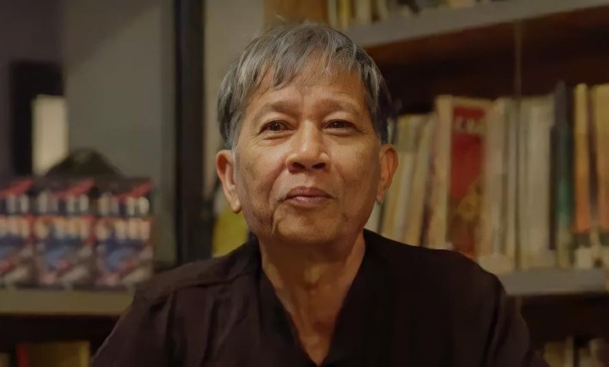 Nhà văn Nguyễn Huy Thiệp khi ra mắt sách Tuổi 20 yêu dấu năm 2018. Ảnh: Nhã Nam.