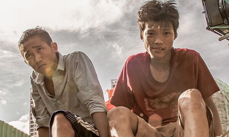 Anh Khoa (phải) - vai chính phim Ròm bên diễn viên phụ Anh Tú Wilson. Ảnh: CJ.
