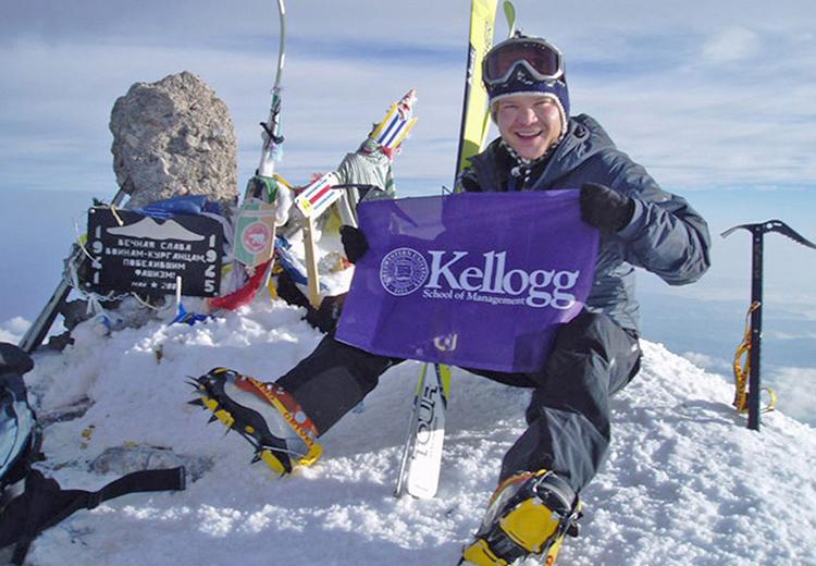 Bo Parfet ra sách về hành trình chinh phục bảy đỉnh núi cao nhất của bảy châu lục. Anh  một trong 127 người ở Mỹ đầu tiên chinh phục được 7 đỉnh núi