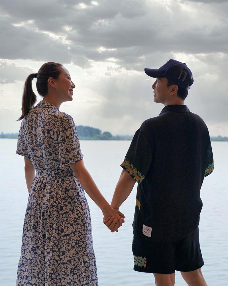 Chân Tử Đan và vợ đi chơi ở Thượng Hải, Trung Quốc trước khi tạm biệt. Ảnh: Instagram/Donnieyen.