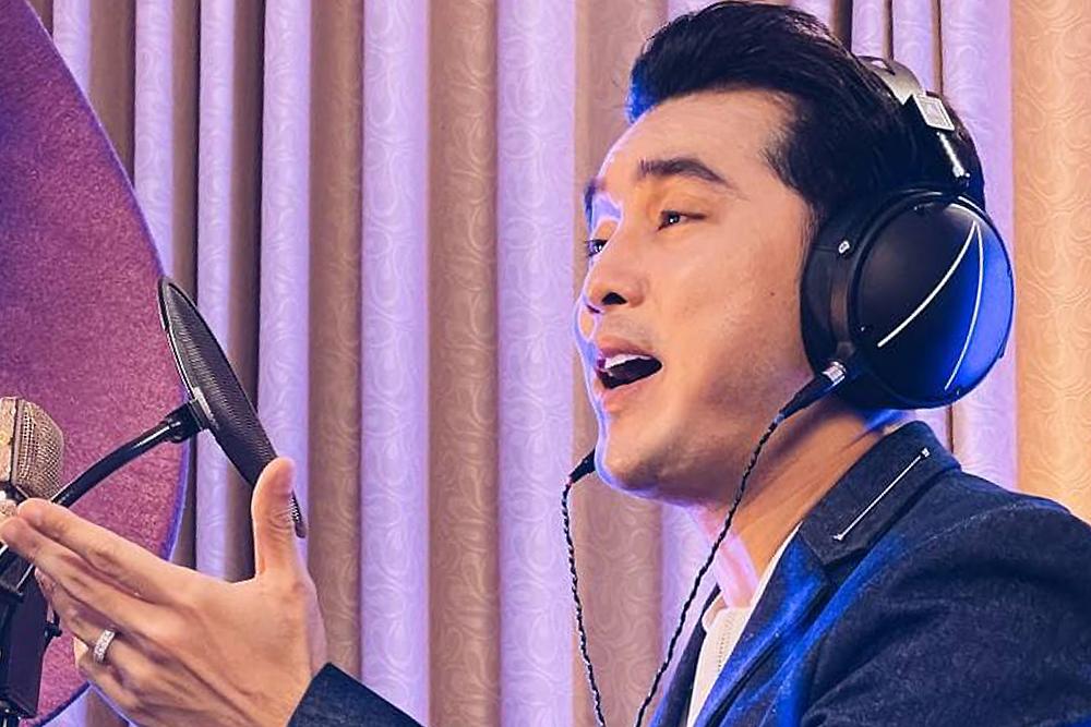 Ưng Hoàng Phúc cùng dàn nghệ sĩ góp giọng vào làn sóng ca khúc chống dịch. Ảnh: Thuận Tùng.