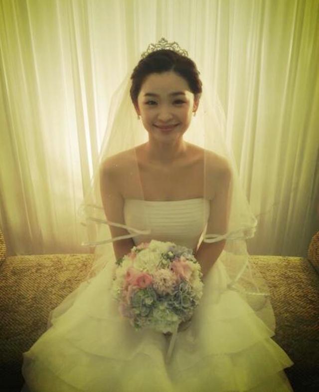 Jeon Mi Do trong ngày cưới hồi năm 2013. Ảnh: Naver.