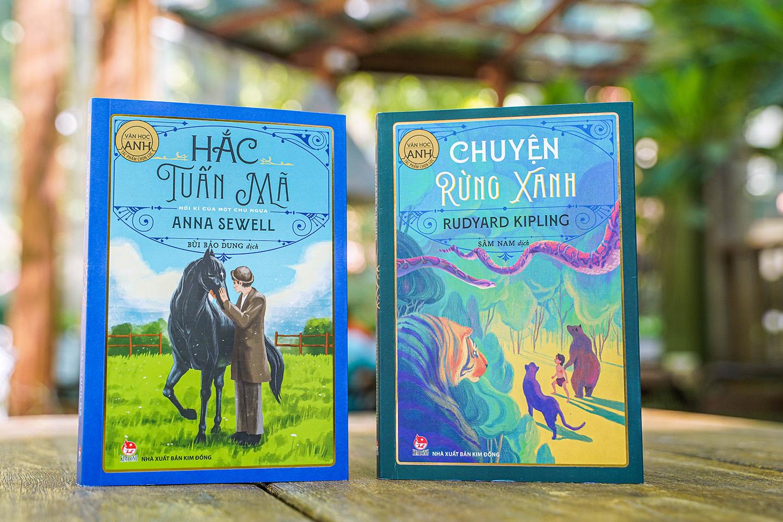 Bìa sách Hắc Tuấn Mã (trái) và Chuyện rừng xanh. Ảnh NXB Kim Đồng.