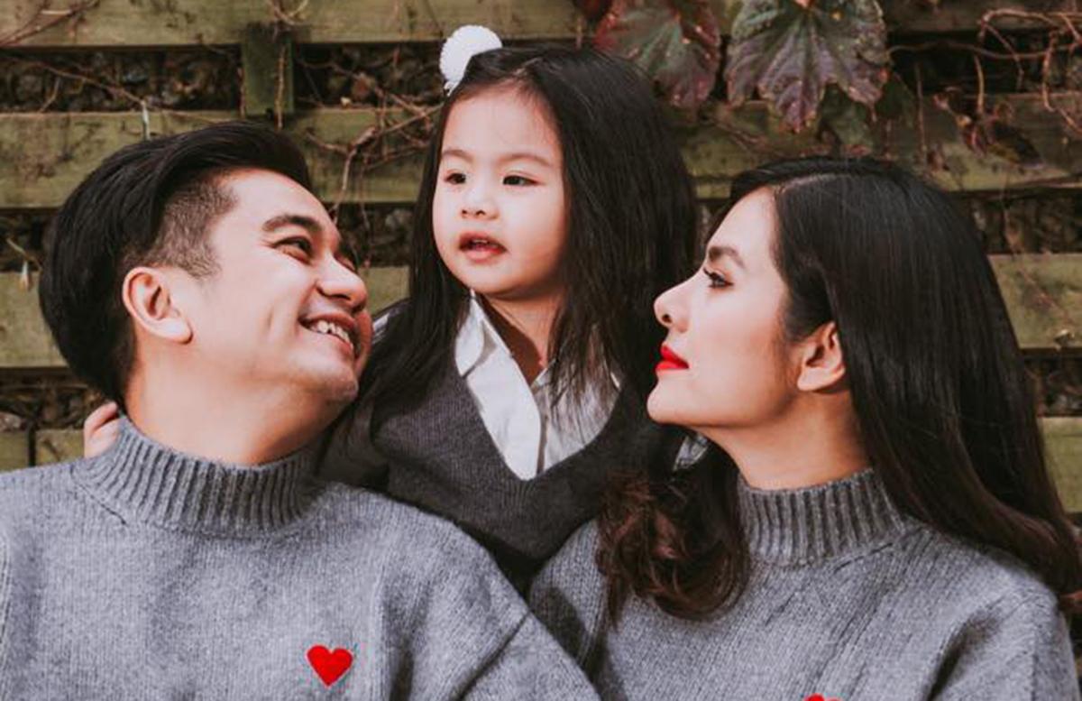 Vân Trang mang thai