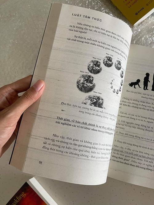 Sách giả Minh Triệu mua in lem nhem bên trong ruột. Ảnh: Nhân vật cung cấp.