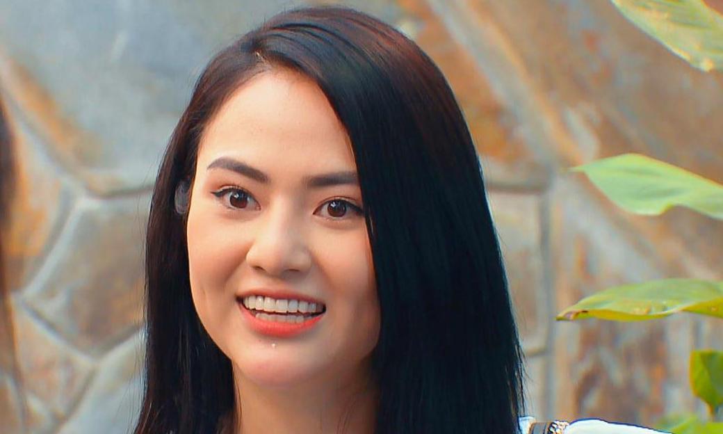 Diễn viên Việt Hoa trong vai Nga. Ảnh: VFC.