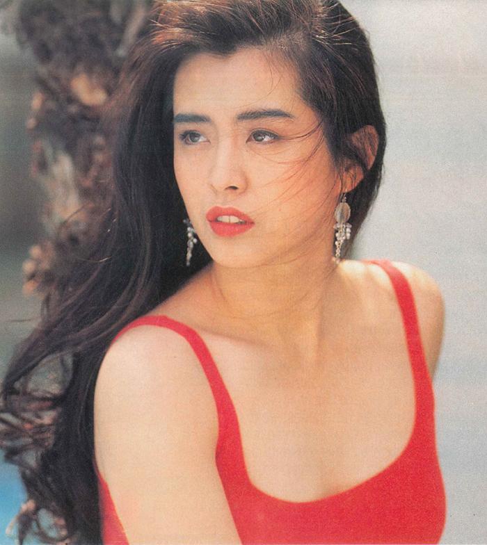 Cô là một trong các biểu tượng nhan sắc, tài năng của màn ảnh Hong Kong thập niên 1980-1990, với các phim Thiện nữ u hồn, Thanh Xà, Du viên kinh mộng...