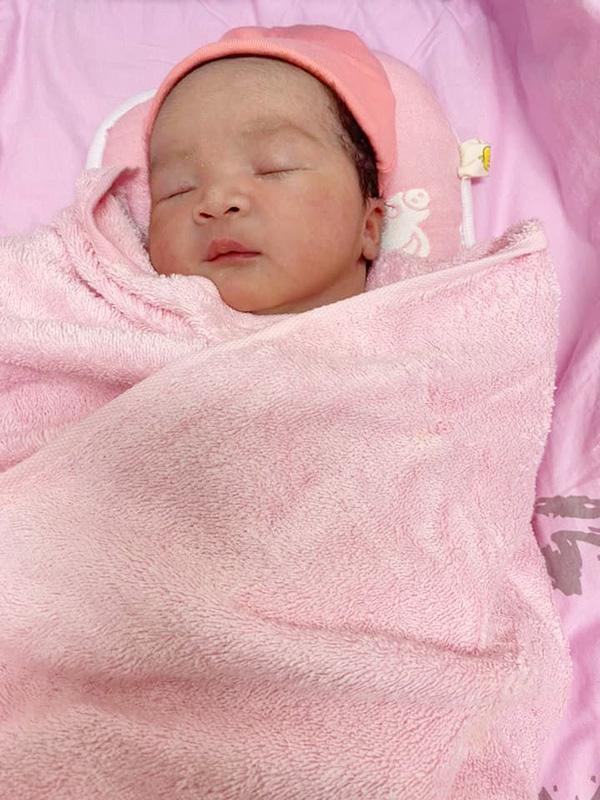 Con thứ ba của Hiếu Hiền - bé Phạm Lê Kim Khảo - sinh ngày 17/8. Ảnh: Nhân vật cung cấp