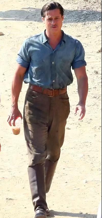 Brad Pitt trên phim trường Babylon hôm 10/9. Ảnh: Backgrid