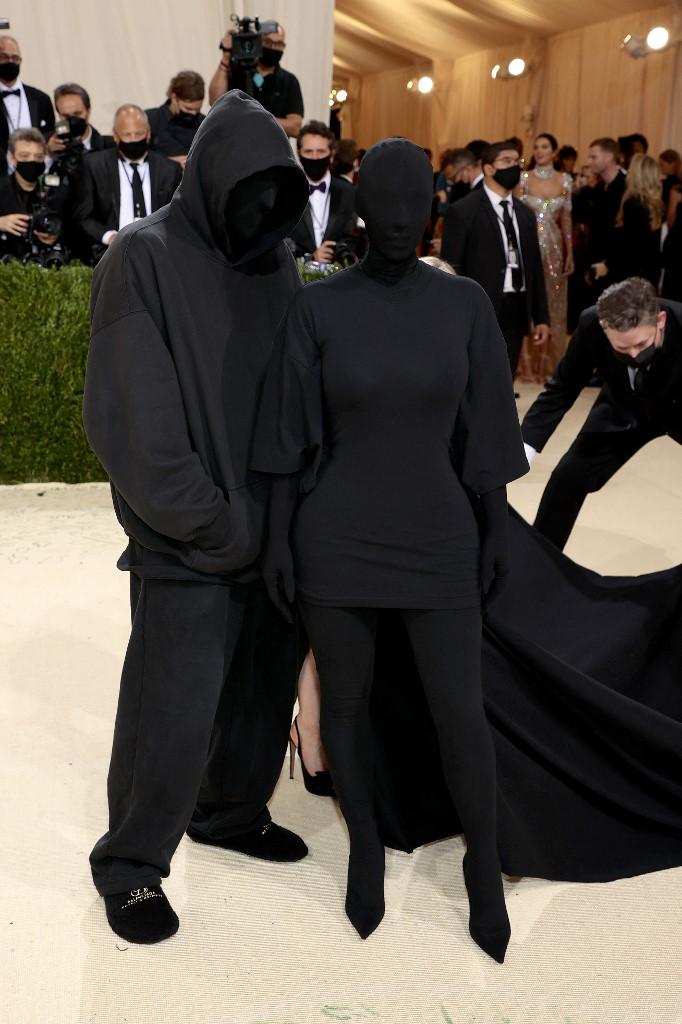 Kim Kardashian và Kanye West ở Met Gala 2021. Ảnh: AFP