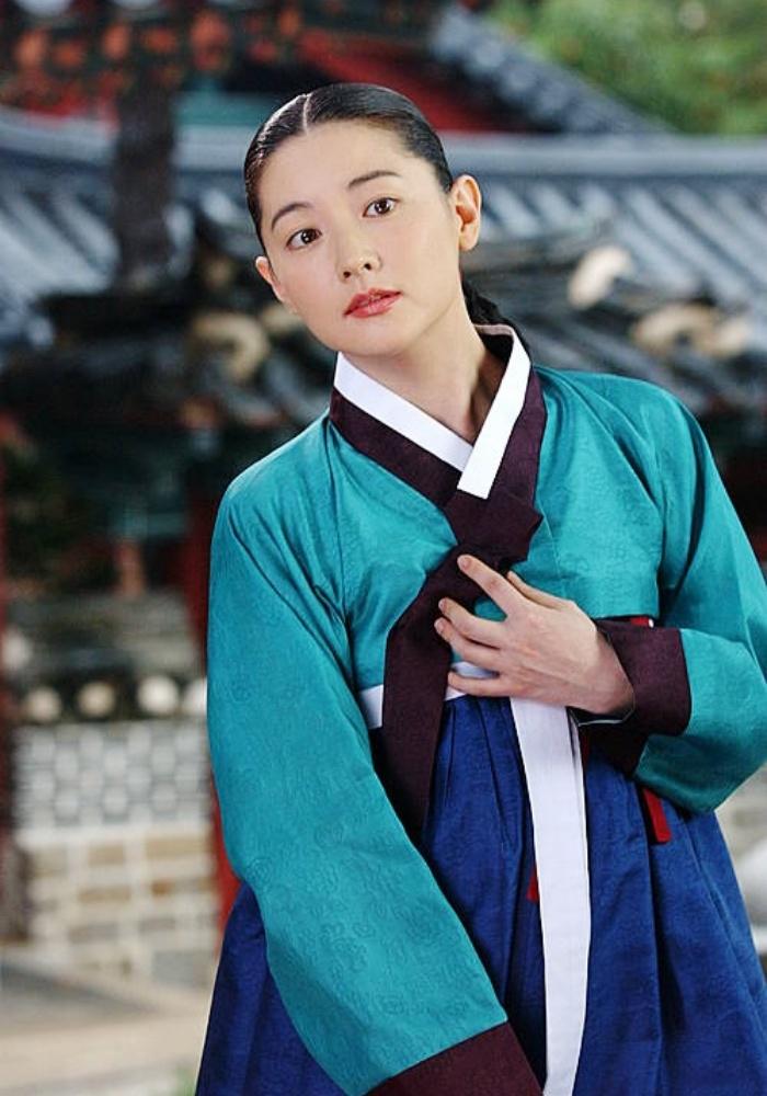 Lee Young Ae nổi đình đám nhờ vào vai Dae Jang Geum - nhân vật lưu danh sử sách nhờ tài nấu nướng và y thuật. Ảnh: MBC