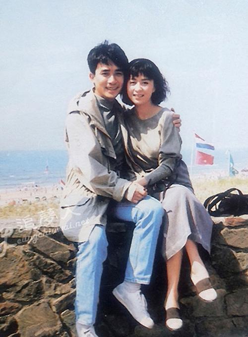 Đôi diễn viên bén duyên năm 1988 khi làm việc ở TVB. Ảnh: HK01