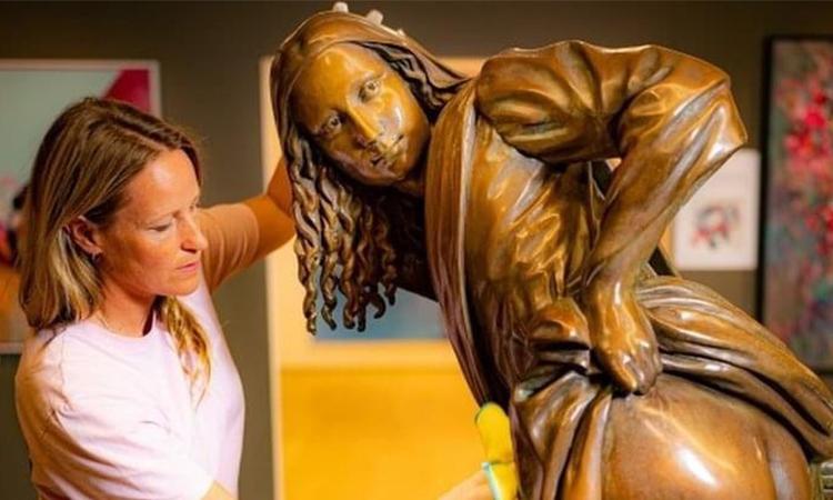 Bức tượng Moona Lisa được trưng bày tại triễn lãm Mshed đến hết tháng 10. Ảnh: BBC