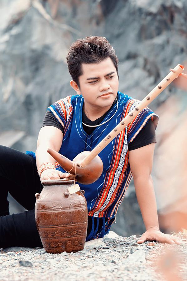 Ca sĩ Y Jang Tuyn (1979 - 2021). Ảnh: Facebook Y Jang Tuyn