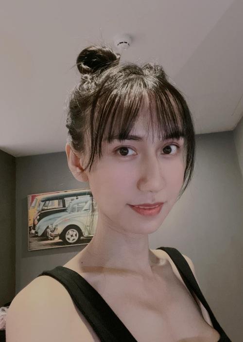 Hình ảnh mới của Lynk Lee không còn thấy yết hầu. Ảnh: Facebook Tô Ngọc Bảo Linh